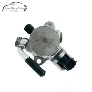 Image 2 - Neue öl pumpe SM296100 0020 PE19 20 3F0 SM2961000020 PE19203F0 F0R Mazda 3 benzin 2,0 hochdruck luftpumpe