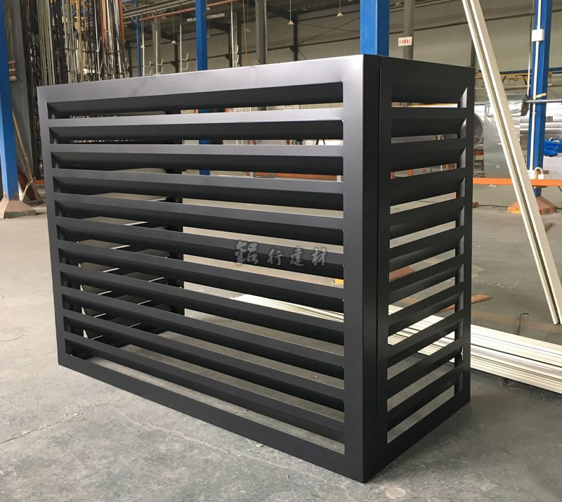Aesthetic Aluminum Louvers Enclosuures / Facades Screen Mesh Wrap / Custom Size and Graphic