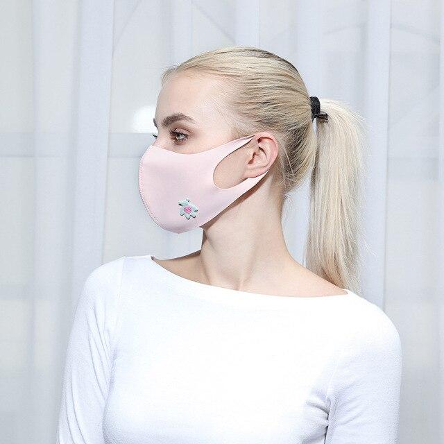 Cute Heart Print Unti-dust Mask Mouth Mask Kpop Cartoon Summer Masks Anti-UV Stereo Unisex 2