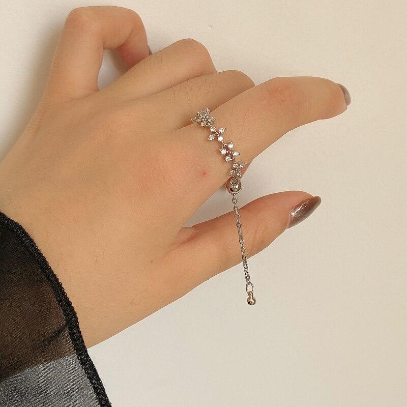 Anillo de joyería de personalidad, cadena suave, anillo ajustable de cristal brillante con flor, joyería femenina delicada, fiesta o regalos para boda