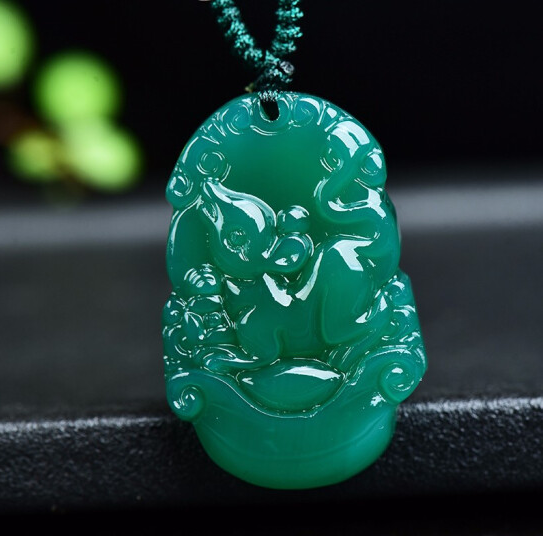 Natural green jade pendant amulet Chinese zodiac Chicken Pendant