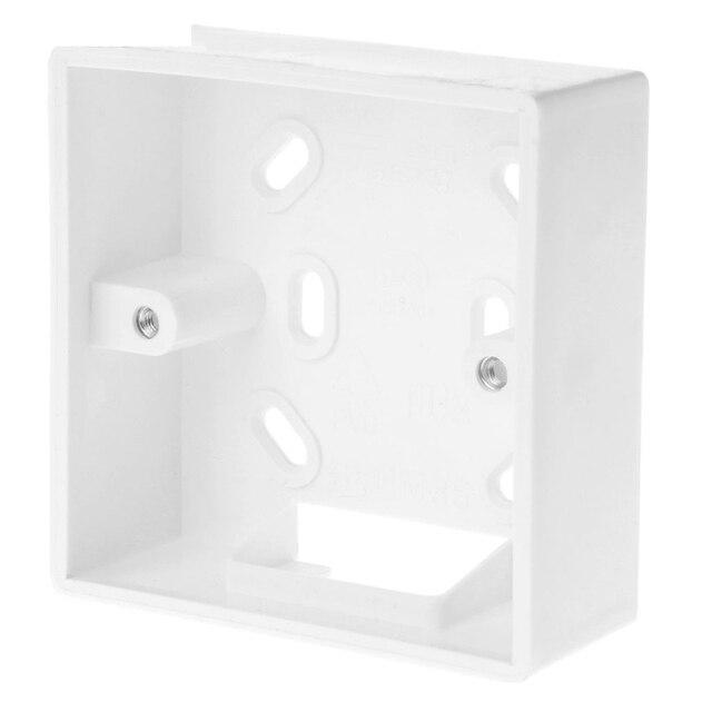 Фото настенная распределительная коробка для термостата белого цвета