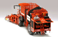 1/32 Alloy Harvester Reaper Diecast Car Toys HOLMER TERRA DOS T4 Red Diecast Farm Vehicle Toy for Boys Kids