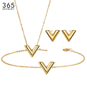 Simple Stainless Steel Letter V Necklace Women Girl Gold/Steel/Rose Gold Alphabet Pendant Necklace Party Gife