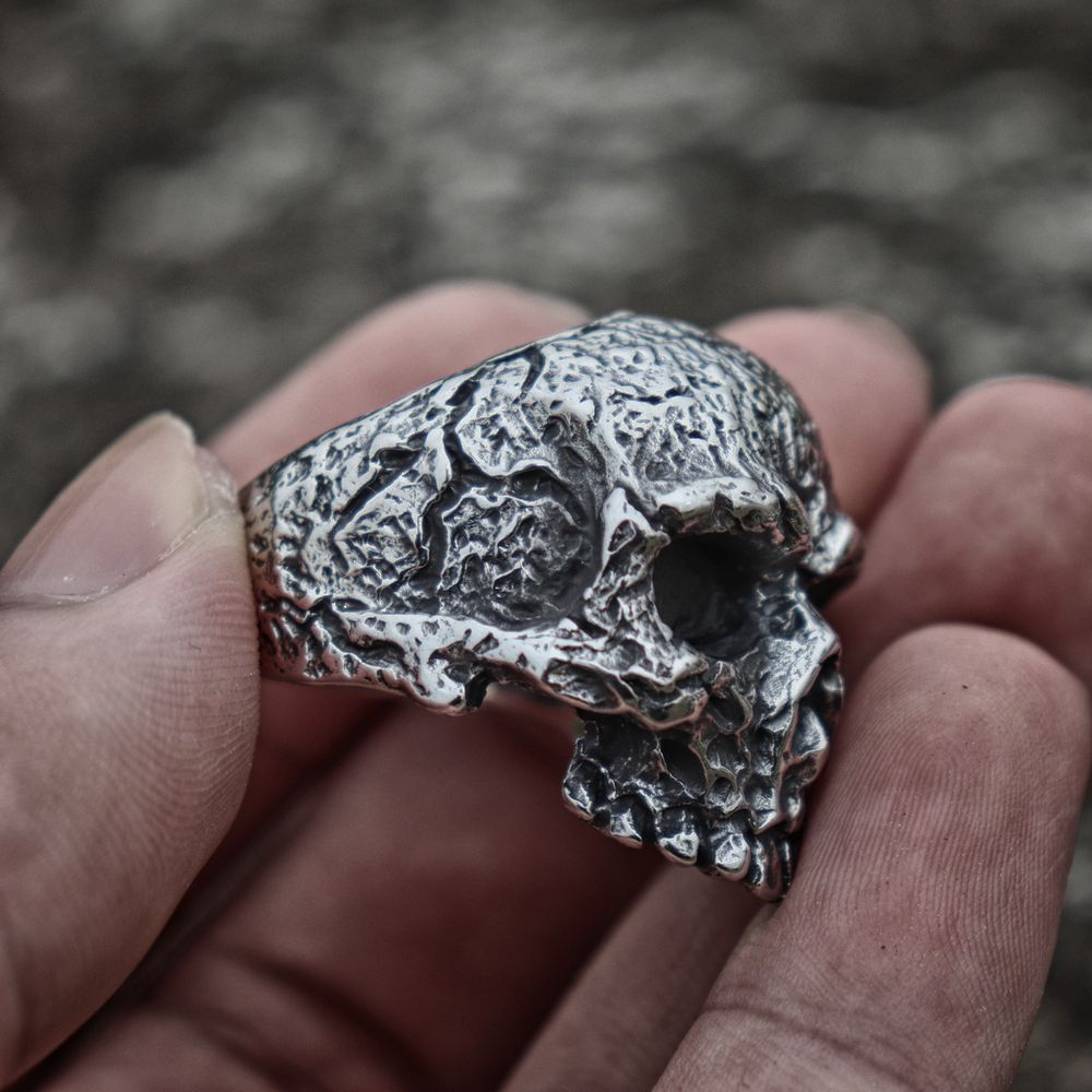 Mens-Vintage-Silver-Color-Fine-Detail-Skull-Stainless-Steel-Ring-Heavy-Punk-Biker-Jewelry