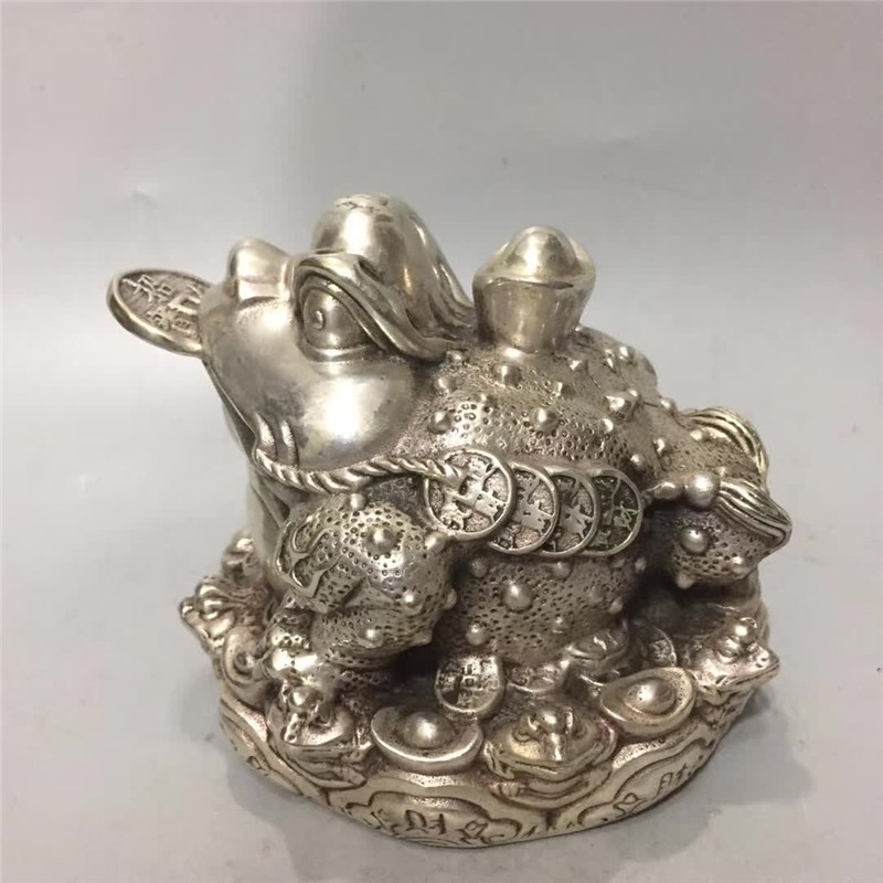 Ev ve Bahçe'ten Statü ve Heykelleri'de Çin Tibet gümüş bronz oyma altın Toad hayvan heykeli servet servet İyi şanslar Geomancy ev dekorasyon title=