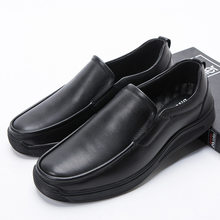 Large 45 46 47 48 Genuine Leather Men's Casual Shoes 2020 New Round-Toe Loafers Luxury Designer Driving Moccasin Men Soft Flats