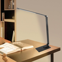 אלומיניום סגסוגת ארוך זרוע סופר דק 12W 6 בהירות 5 צבע טמפרטורות USB תשלום טלפון מתקפל מנורת שולחן Led 220V לעבודה