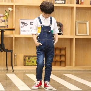 Image 1 - 2020 junge Insgesamt Kinder Denim Overall Kinder Overalls Jeans Frühling Mädchen Herbst Jungen Jeans Hosen Cowboy Taschen Outwears 2 15T