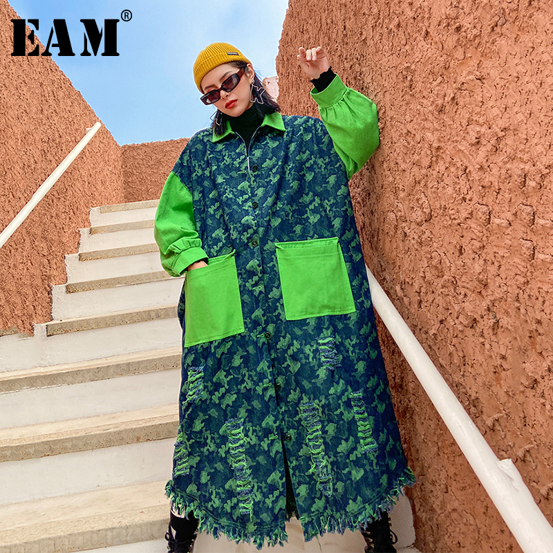 [EAM] Women Hollow Out Denim Big Size Long Trench New Lapel Long Sleeve Loose Fit Windbreaker Fashion Tide Spring 2020 1R431