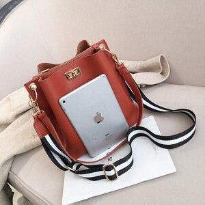 Image 3 - HISUELY Heißer Verkauf Neue Frauen PU Leder Handtaschen Mode Designer Schwarzen Eimer Vintage Schulter Taschen Umhängetasche Hohe Qualität