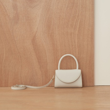 цена на leather fashion For Women portable mini women's bag 2020 new Design simple single shoulder diagonal small square free shipping