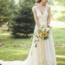 Wedding bridal gown 2018 Top Selling Short Sleeve robe de soiree Lace deep v-neck Vestido de noiva