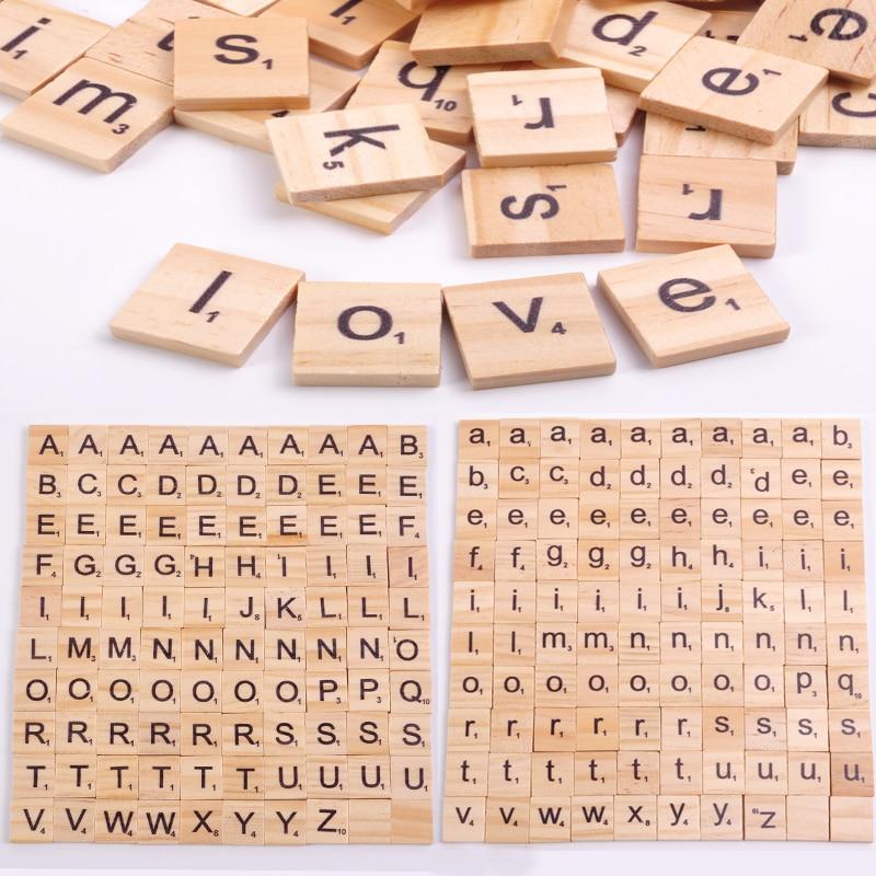 100Pcs di Legno Mattonelle di Scrabble Lettera di Alfabeto Numero di Scrabbles Mestiere di Legno Parole Inglesi di Puzzle Digitale