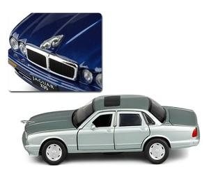 Image 5 - 1:32 maßstab Klassische Legierung Spielzeug Auto Metall Diecast Modell Sound Und Licht Pull Back Spielzeug Für Jungen Geburtstag Geschenke Jaguar XJ6 Kinder Spielzeug