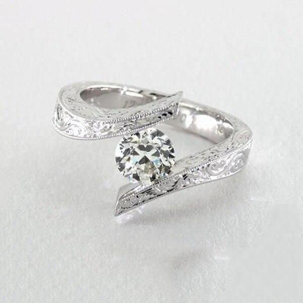 Купить женские обручальные кольца с фианитом серебристые большим камнем картинки