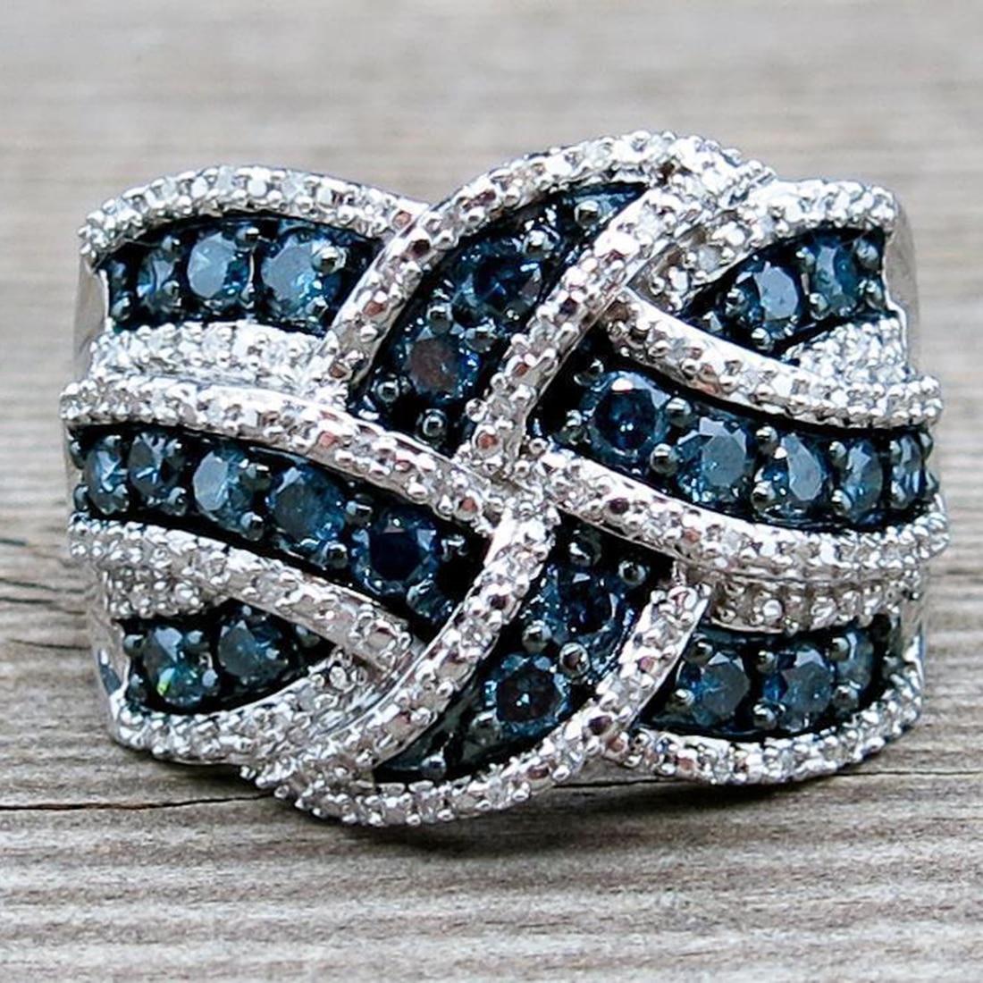 Женское кольцо из серебра 2019 пробы с синим Цирконом