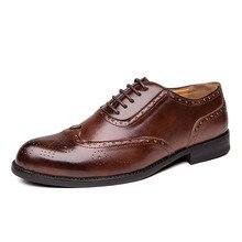 2020 Men Dress Shoes Gentleman Bullock Paty Leather Wedding Shoes Men Flats Leather Oxfords Formal Shoes