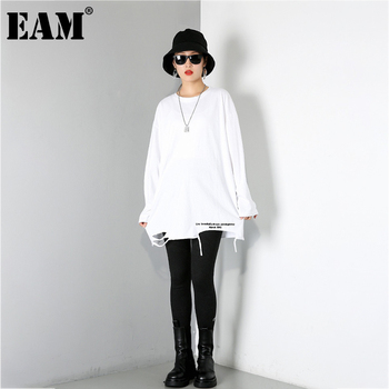 [EAM] Women Brief White Hole Big Size Personality T-shirt New Round Neck Long Sleeve Fashion Tide Spring Autumn 2021 1DD1797 1