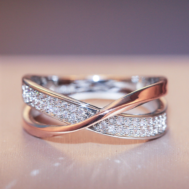 beautiful two-tone criss-cross diamonelle ring 3