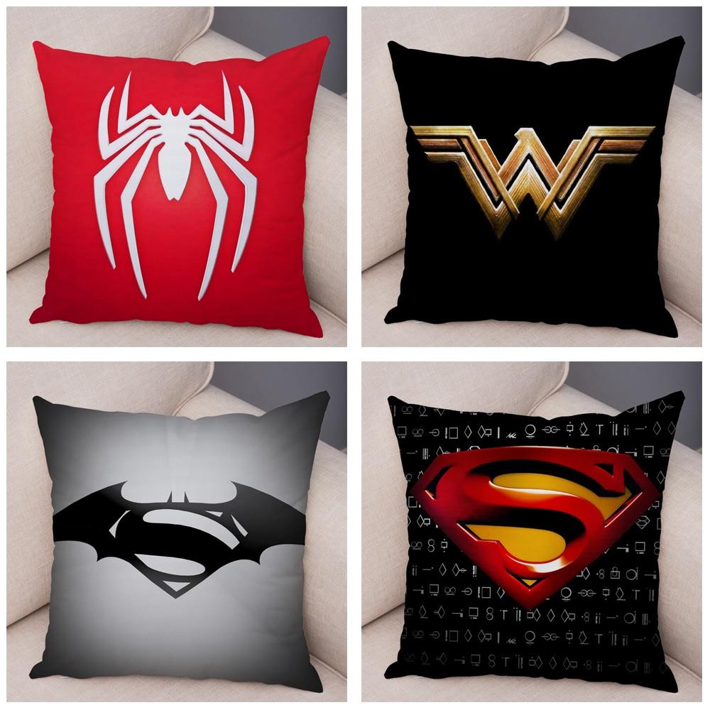 Capas de Almofadas de Pelúcia Tema Super Heróis Marvel