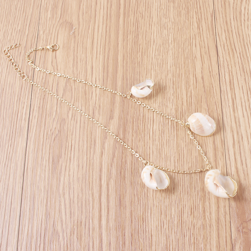 Vintage Natural Conch Pendant Choker Necklace for Women Clavicle Chain Gold Color 2019 Fashion Jewelry Short Necklace Female