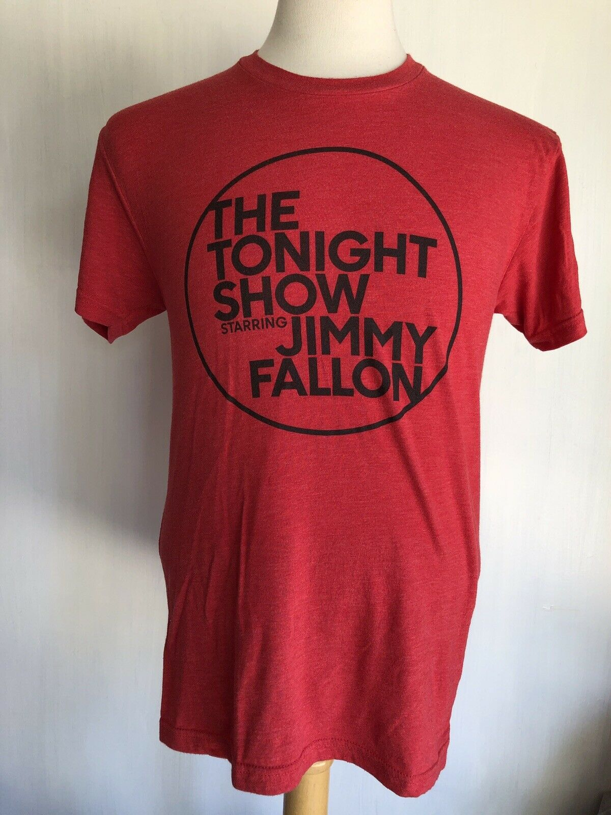 <font><b>THE</b></font> <font><b>TONIGHT</b></font> <font><b>SHOW</b></font> STARRING JIMMY FALLON Official NBC Red T-Shirt Size Medium image