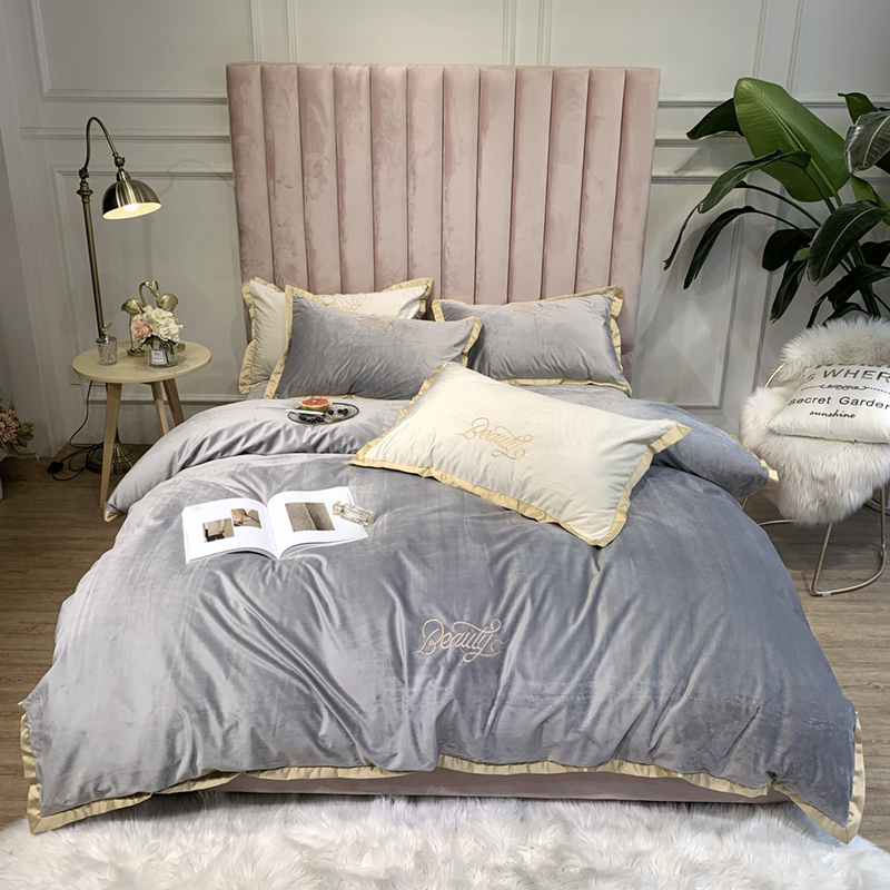 2019 Bed 4pcs Luxury Solid Color Velvet Bedding Set Duvet Cover Sheet Pillowcase King Queen Twin Size White Gray Pink Bed Linen