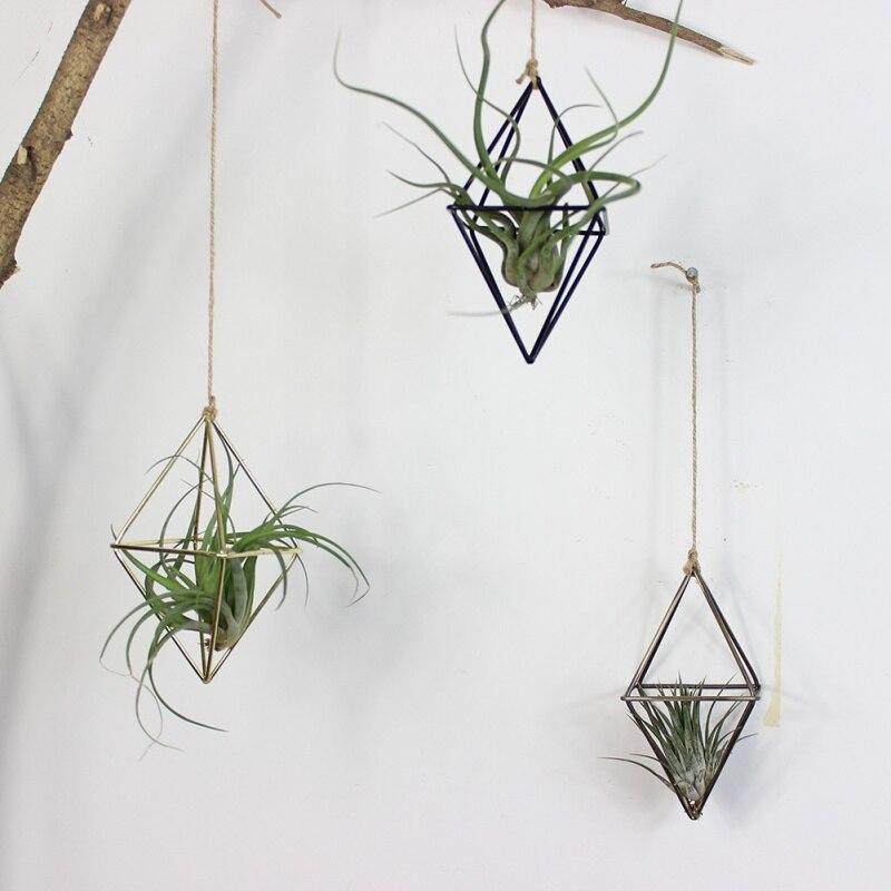 Jardinières suspendues autoportantes balançoire géométrique en fer forgé Tillandsia porte-plantes à Air support en métal de forme triangulaire