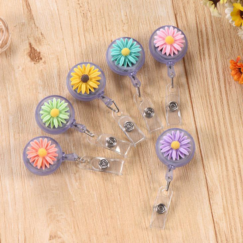 1 Pcs Kawaii Resin Daisy Flowers Nursing Retractable Nurse Doctor Badge Holder Office Badge Reels for Work Badge Clip Stationery