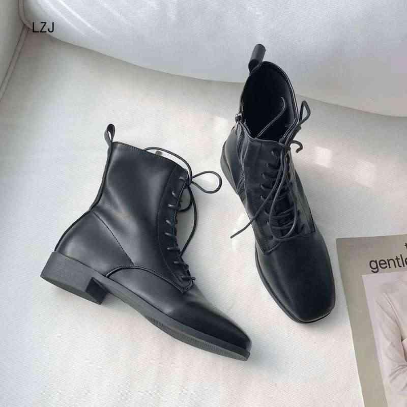 LZJ kare kafa yarım çizmeler kadınlar için dantel up siyah renk bayan botları PU astarı klasik stil kadın ayakkabı moda Chesil çizmeler