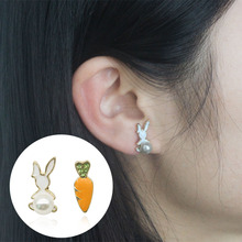 Fashion Cute Animal Bunny Rabbit Carrot Stud Earrings for Women Enamel Asymmetry Creative Cartoon Ear Jewelry Girls 2019 WD612