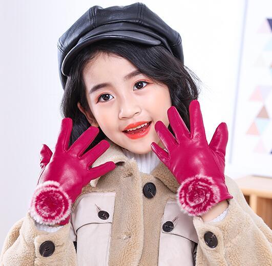 Children's Autumn Winter Thicken Warm Fleece Lining Leather Gloves Girl Kids Natural Sheepskin Leather Fur Ball Glove R1878