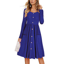 Женское платье миди на пуговицах с v образным вырезом и карманами