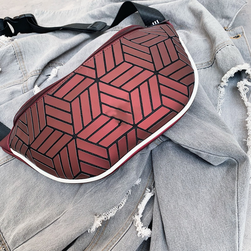 New Style Issey Miyake Celebrity Style Rubik's Cube Rhombus Wallet Colorful Reflective Sports Cross-body Chest Bag Men And Women