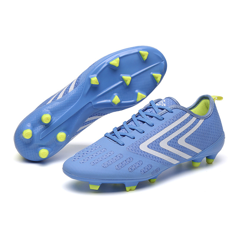 Promo 2020 Men's Sports Football Shoes Fly-woven Mesh Breathable Plastic Spike Football Shoes Flat Grass Training Shoes
