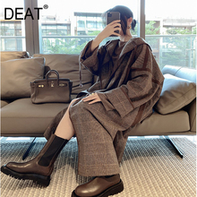 DEAT New Autumn And Winter Fashion Casua Long Sleeve Hooded Patchwork Oversize Loose Profile Wool Plaid Woolen Coat Women SF639