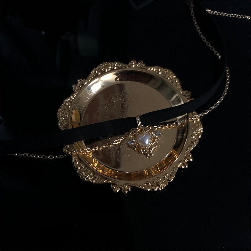 Goth Vintage Velvet Black Choker Love Heart Pendant Pearls Short Chain Necklace For Women Egirl Aesthetic Accessories Jewelry
