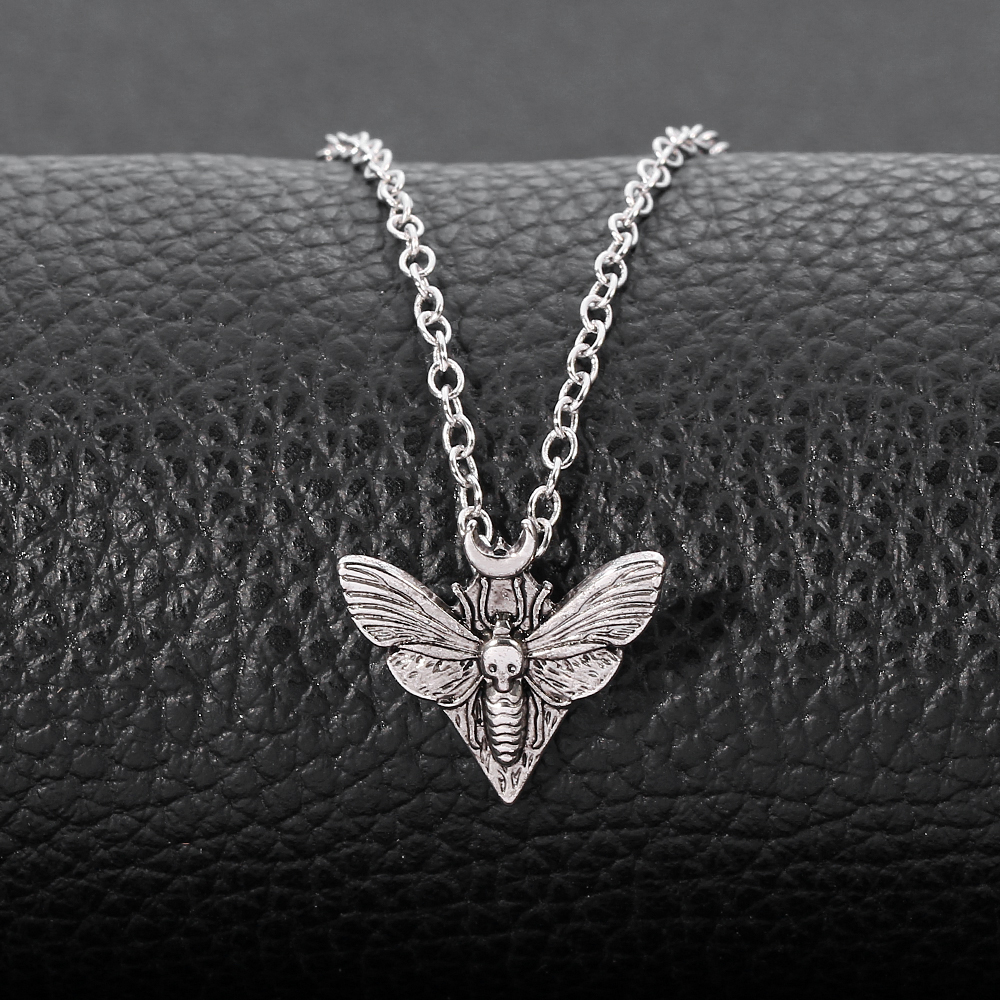 Punk Dead Moth Antiquity Mini Insect Moth Pendant Necklace Vintage Strange Collar Chain For Man Women Chic Jewelry Gift