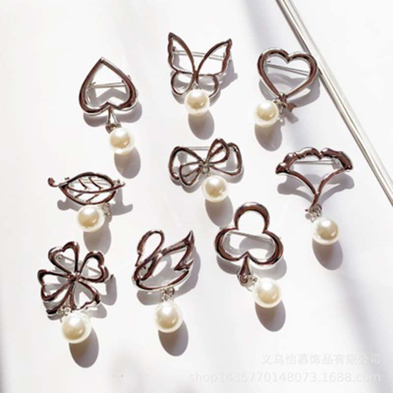 Butterfly Leaf Bow Pearl Beads Pendant Tassel Brooch Badges For Women Bowknot Pins Wedding Banquet Accessories Simple Brooch 1PC