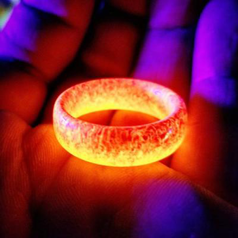 HIYONG New Design Luminous Purple Blue Resin Ring Glowing In The Dark Wedding Engagement Rings For Women Men Jewelry Gift