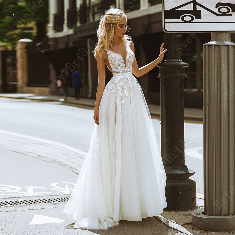 V Neck Boho Wedding Dresses For Women 2021 Lace Appliques Sleeveless Beach Bridal Gowns Open Back,Cute Dresses For Weddings Guests