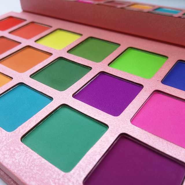 Summer Colorful Eyeshadow Palette Matte 18 Colors Shimmer Blendable Bright Eye Shadow Pallete Silky Powder Pigmented Makeup Kit 3