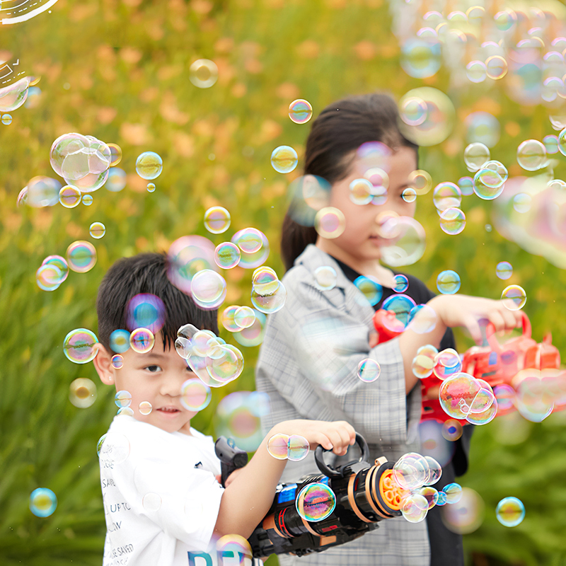Automatic Magic Bubble Gun Blower Maker Toy Portable Electric Magic Soap Bubble Machine Light Music Outdoor Toy For Child Gift img2