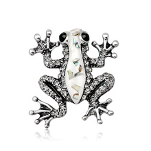 New environmentally friendly alloy animal brooch Joker retro frog plated silver Dan Runxin products