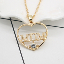 цена на Charm Lettering Mum Necklace For Women Daughter Hollow Out Heart Shape Crystal Pendant Necklaces Send Mother's Day Gift Collares