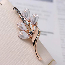 Elegant Tulip Flower Brooch Pin for Women Rhinestone Crystal Costume Jewelry Clothes Accessories Enamel Pins Wedding Party Gifts elegant tulip flower brooch pin for women rhinestone crystal costume jewelry clothes accessories enamel pins wedding party gifts