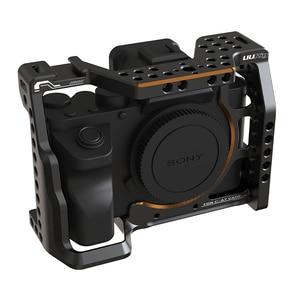 Image 2 - UURig C A7III מצלמה כלוב עבור Sony A73 A7R3 A7M3 סטנדרטי Arca שחרור מהיר צלחת W למעלה ידית אחיזה קר נעל הר DSRL מצלמה