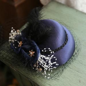Mingli Tengda Изящные шляпы для женщин и женщин, банкетная маленькая официальная шапка с перьями, украшение для волос, кружевные свадебные аксесс...