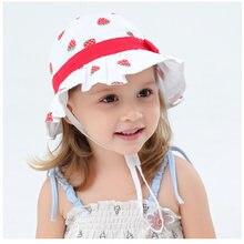 Летняя шляпа для девочек детская пляжная ведро белая Клубничная